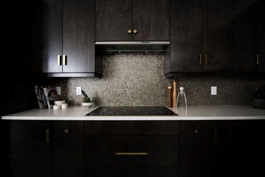 Eye catching backsplash