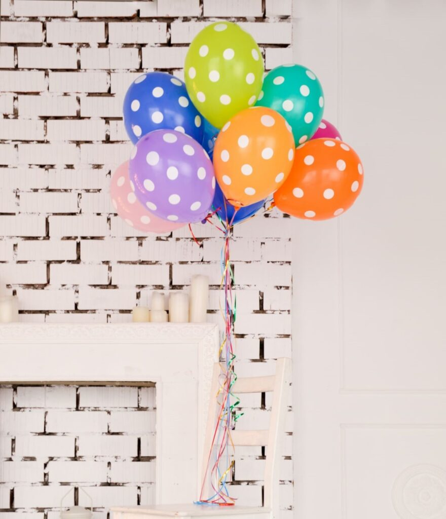 decorate a room for the birthday 2