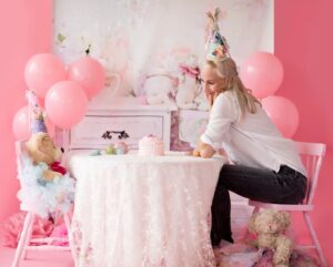 12 Amazing and The Best Ways To Decorate A Room For The Birthday