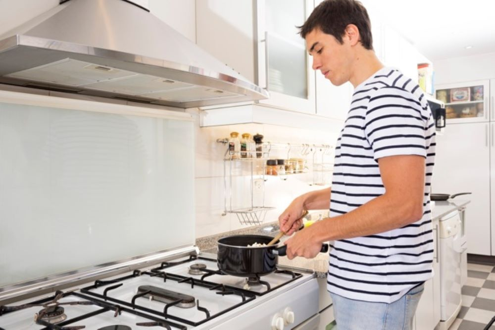 to conserve LPG in your kitchen 3