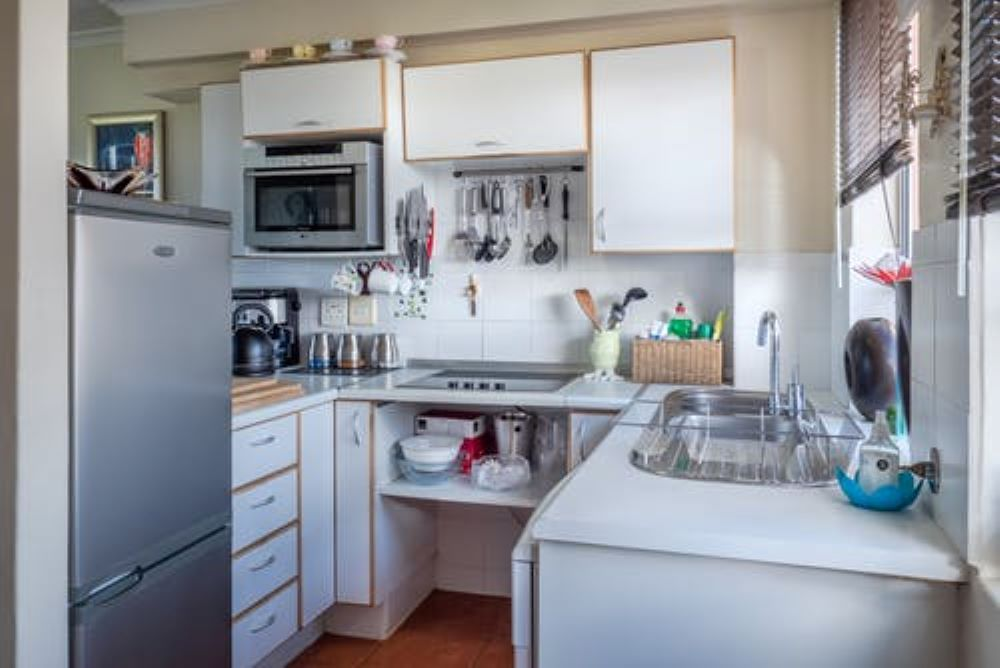 how to organize a small kitchen 1