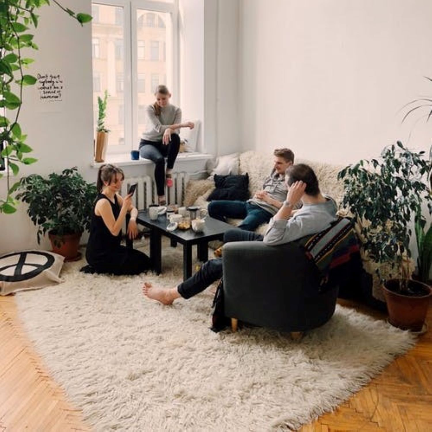 9 Best Ideas to Furnish a Small Living Room