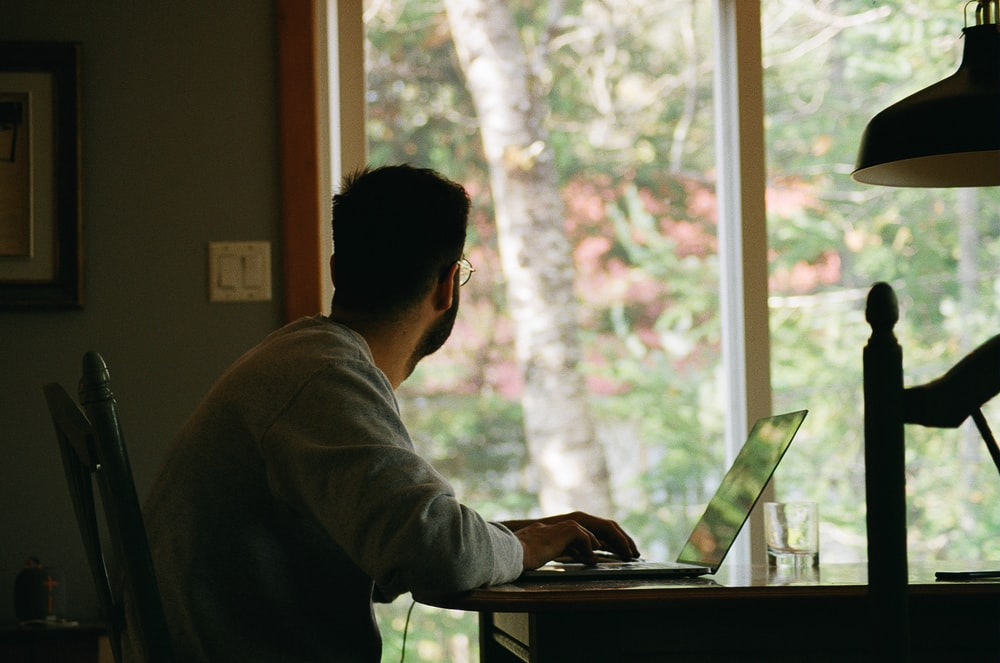 7 Practical & Simple Work From Home Ideas With No Office